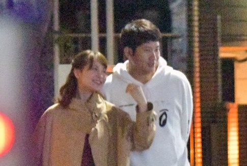 菅野選手と野崎萌香さん